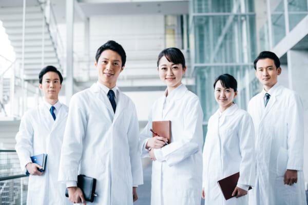 病院薬剤師の仕事内容とやりがいを紹介!調剤薬局との比較や注意点も